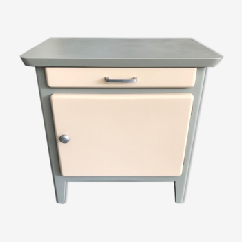 Table de chevet en bois vert de gris et rose poudré