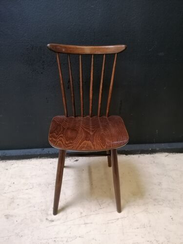 Chaise en bois Ton 1956