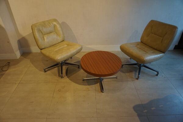Paire de fauteuils vintage en cuir crème