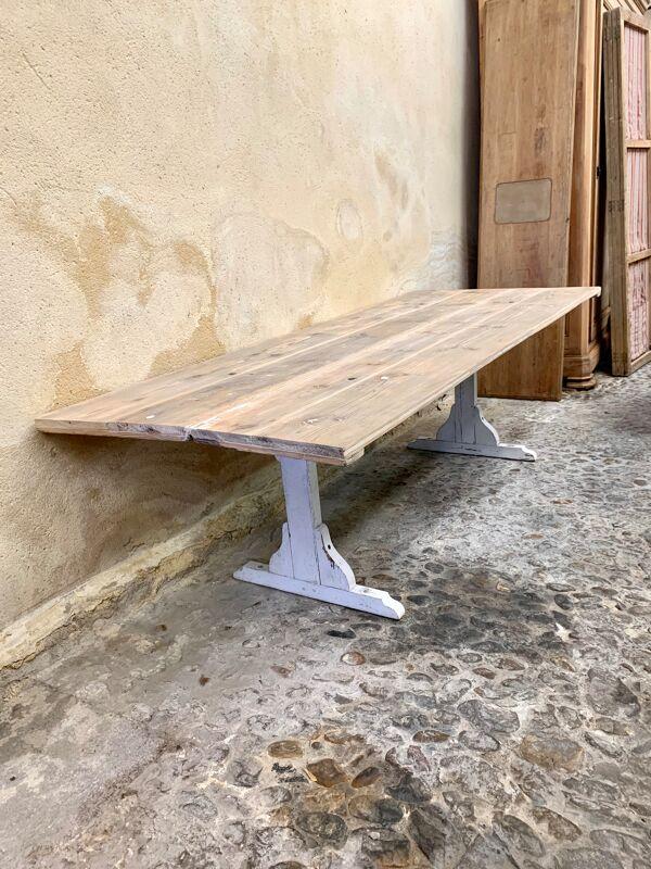 Table de monastère
