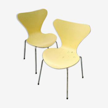 Paire de chaises Arne Jacobsen pour Fritz Hansen design 2001
