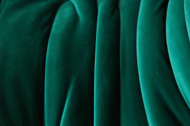 Canapé 3 places Togo en velours vert par Michel Ducaroy pour Ligne Roset
