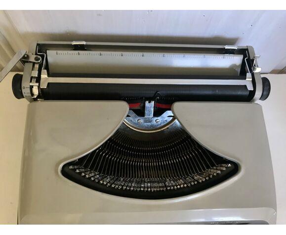 Machine à écrire Remington Envoy