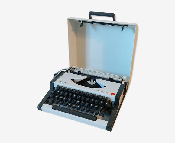 Olympia Traveller Luxe Typewriter