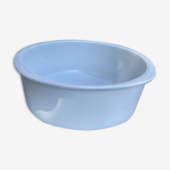 Plat en porcelaine blanche française
