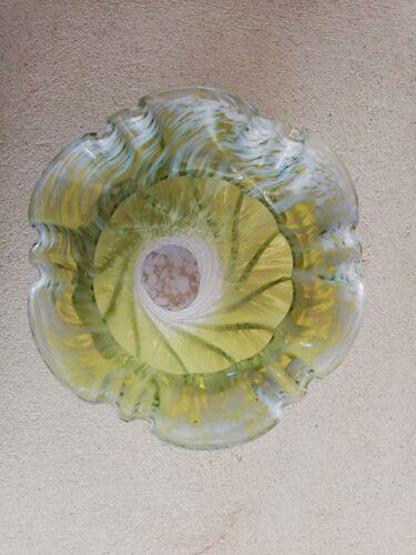 Vase en verre moucheté