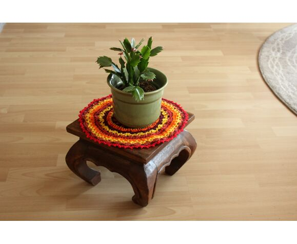 Stand de plantes en bois de style asiatique, petits tabourets, millésime des années 1970