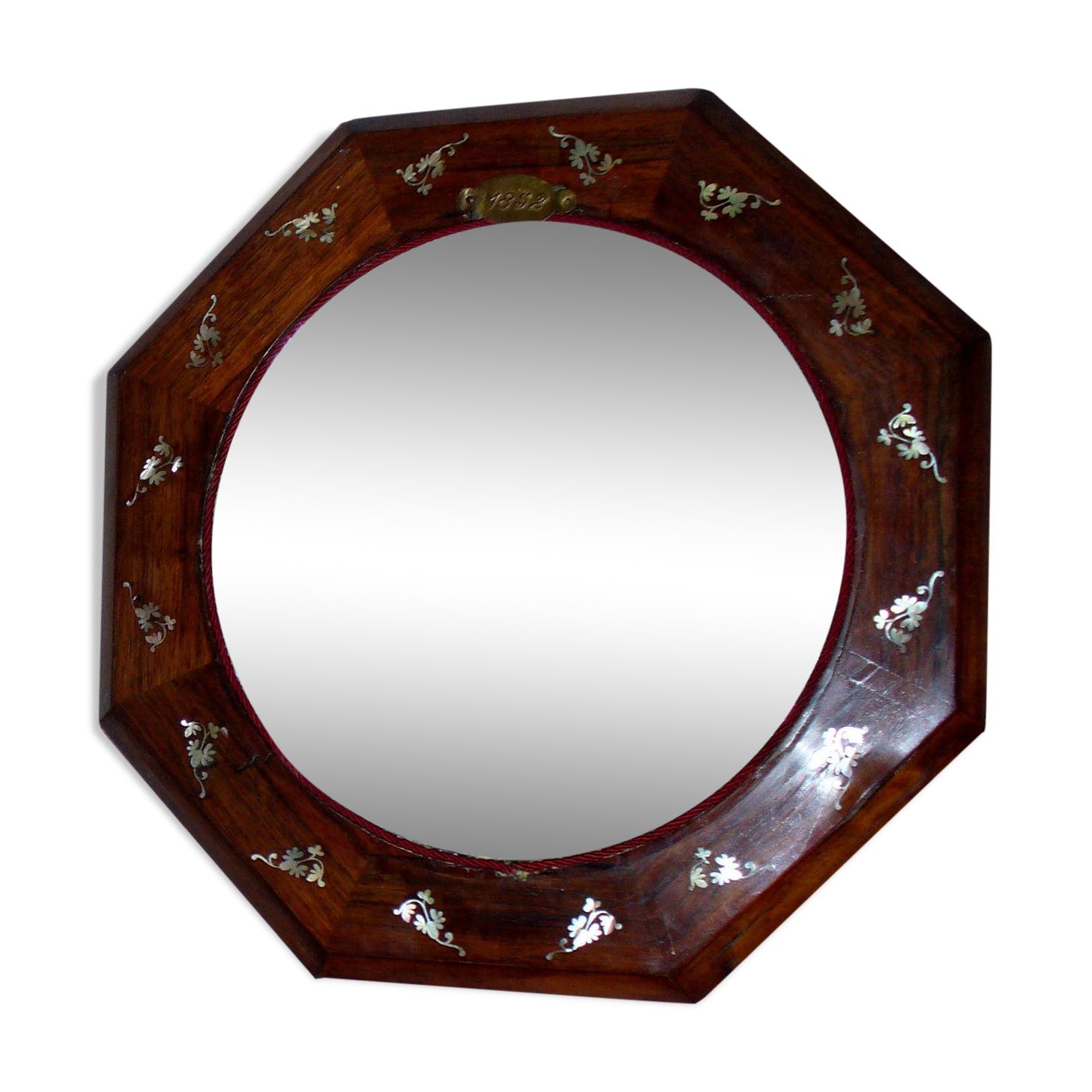 Glace  de forme octogonale acajou e t nacre 1830