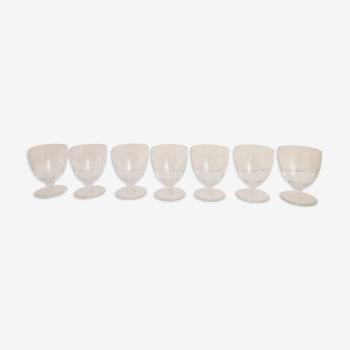 Set de 7 verres à pied en verre fin  ciselé 60's
