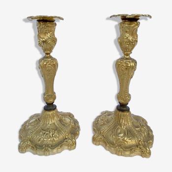 Paire de bougeoirs Napoleon lll XlXeme en bronze dore style louis xv