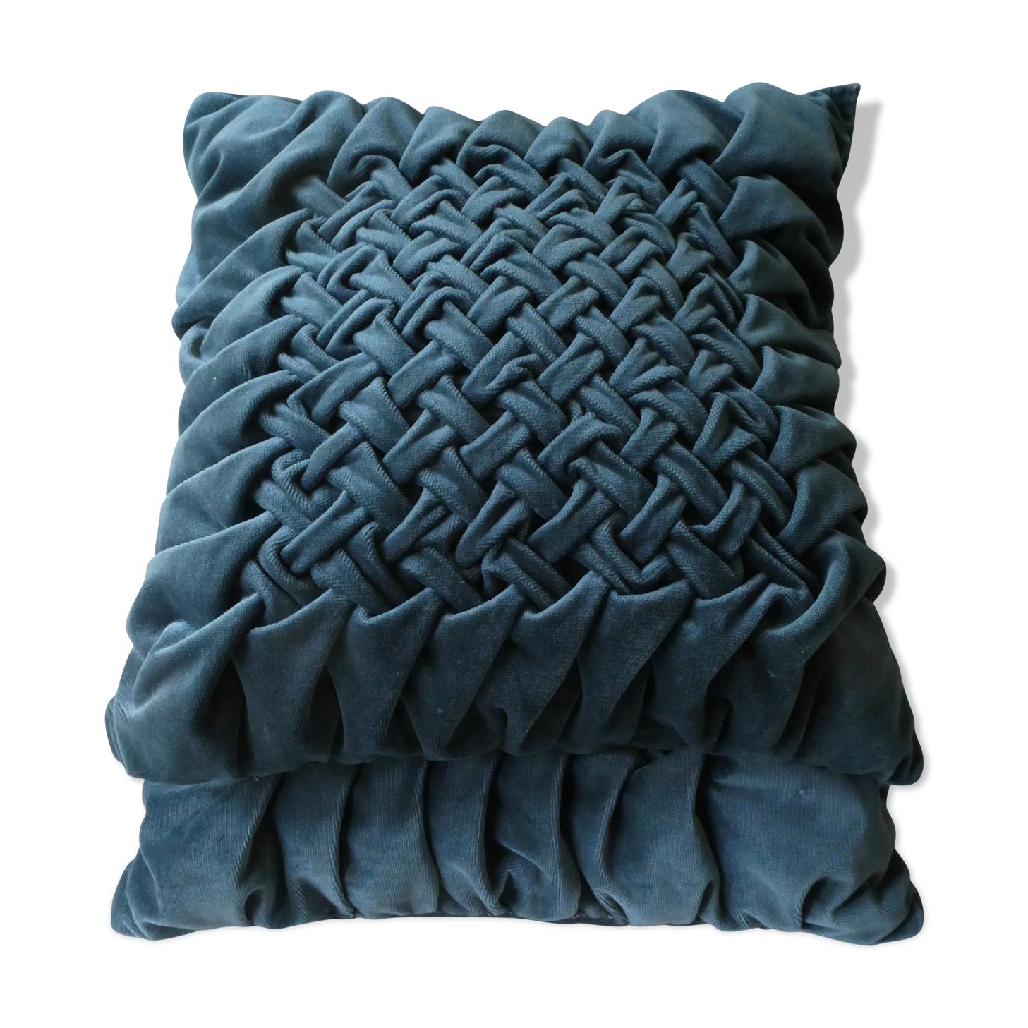 Paire de coussins anciens, en velours bleu canard, effet plissé