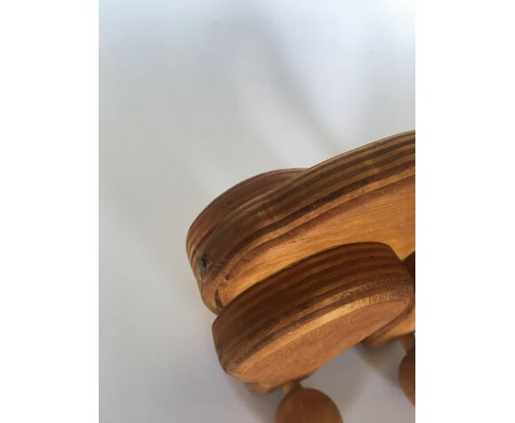 Jouet en bois  à roulettes