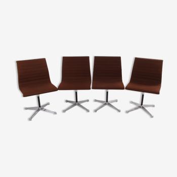 Lot de 4 chaises en aluminium modèle ea 106 Charles & Ray Eames Made by Vitra