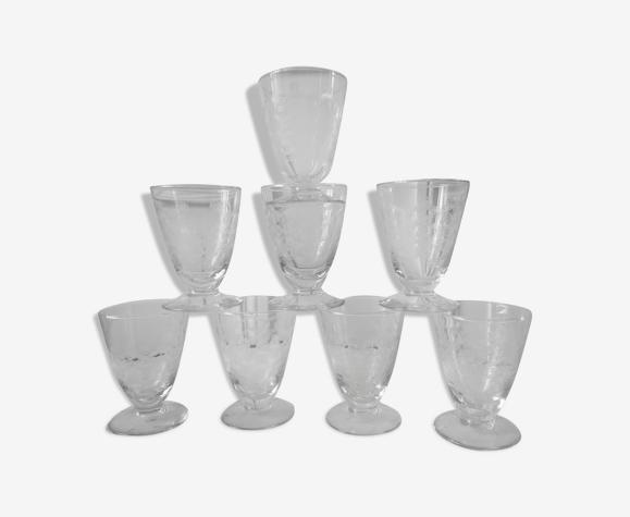 Lot de 8 verres à digestif en cristal gravés années 30