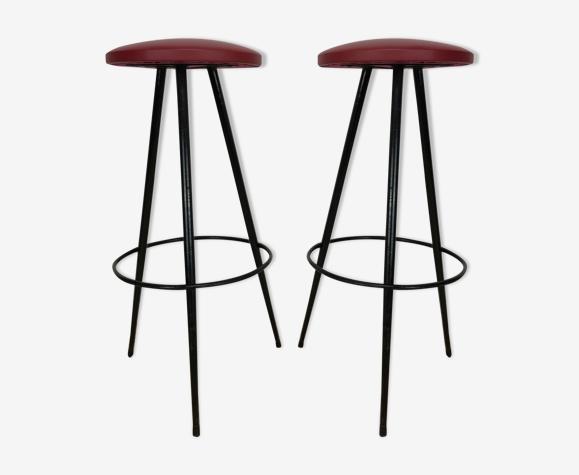 Paire de tabourets de bar tripode 1950, métal et simili cuir rouge