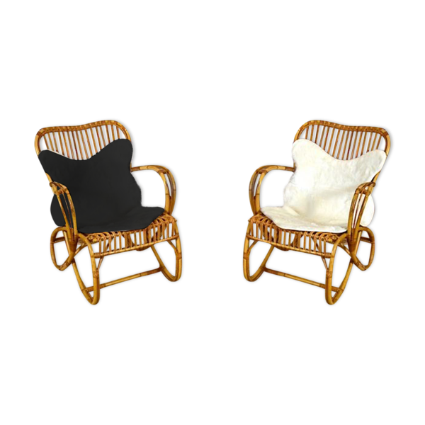 Paire de fauteuils vintage en rotin avec peaux
