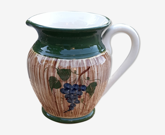 Pichet à vin en céramique vernissée motif grappe raisin