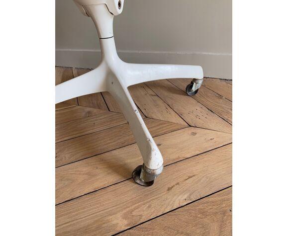 Chaise Tulip par Eero Saarinen pour Knoll International