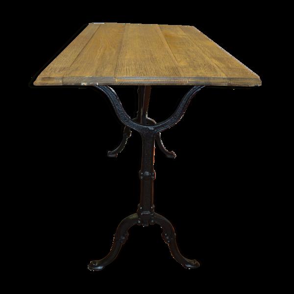 Table de bistrot en fonte et plateau en chêne