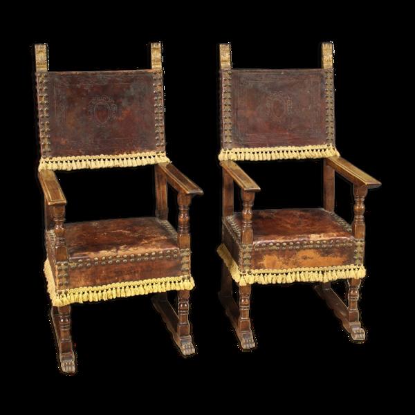 Paire de fauteuils en cuir du milieu du XXe siècle