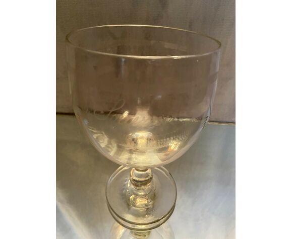 Verre en cristal à décor gravé marqué Souvenir époque fin XIXe