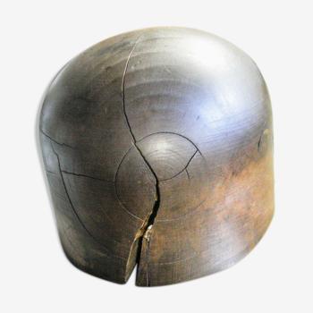 Forme à chapeau en bois