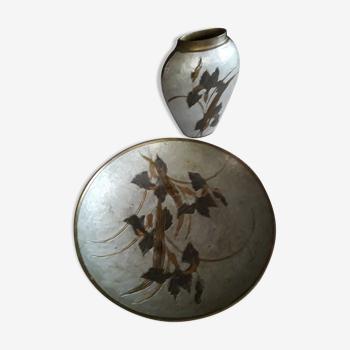 """Ensemble vase avec assiette en bronze décor émaillé """"iris"""""""