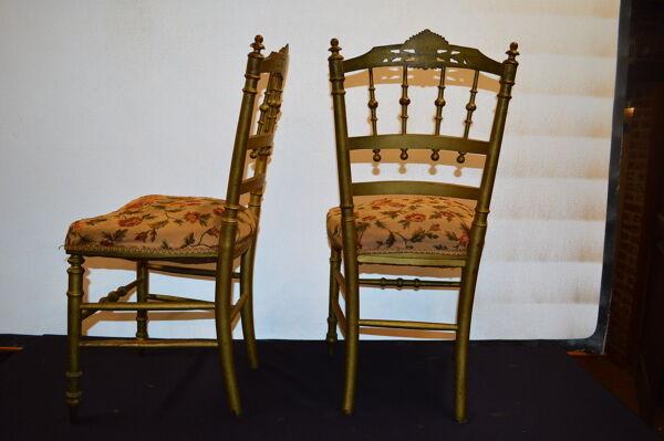 2 chaises en bois doré