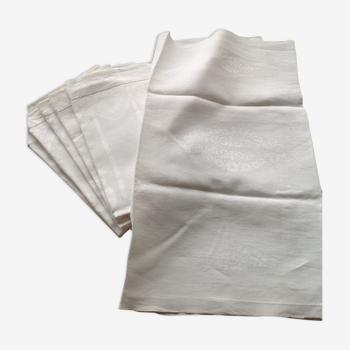 Série de 6 anciennes grandes serviettes damassees
