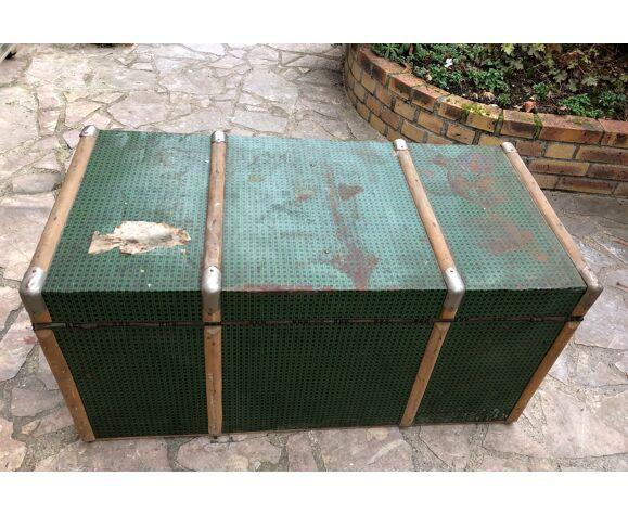 Malle en bois doublée de métal