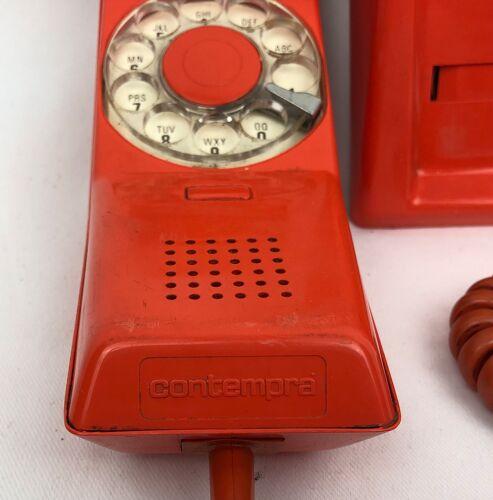 Téléphone des années 1970 orange
