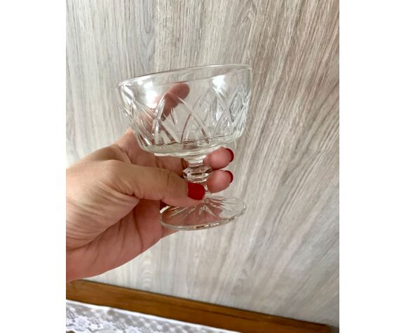 Coupes à champagne en verre