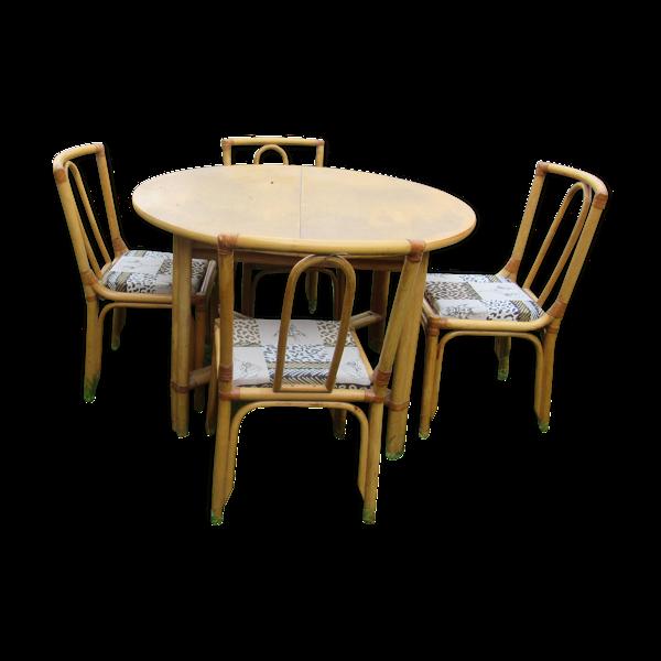 Table ronde et chaises Gervasoni