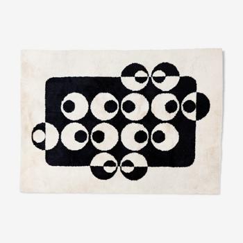 Modernist rug 200x270cm