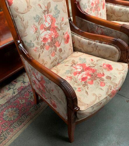 Paire de fauteuils de style Empire