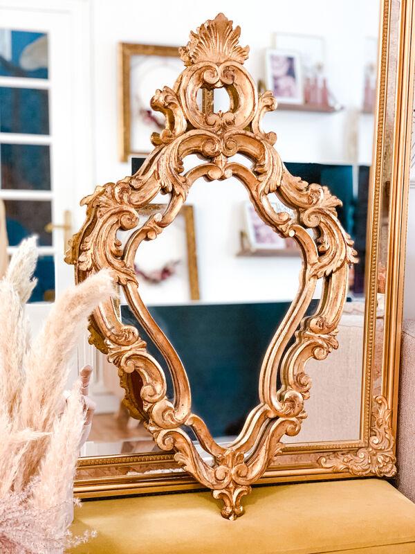 Miroir doré à parcloses