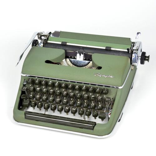 Machine à écrire type: SM-3 Olympia Wilhelmshaven valise  Allemagne 1953