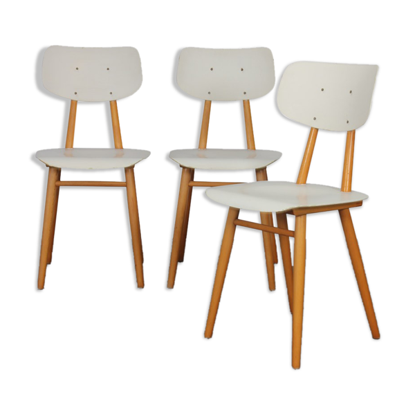 Suite de 3 chaises produites par Ton, 1960