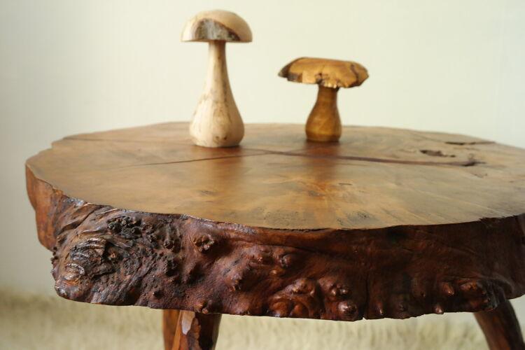 Table d'appoint souche d'arbre brutaliste