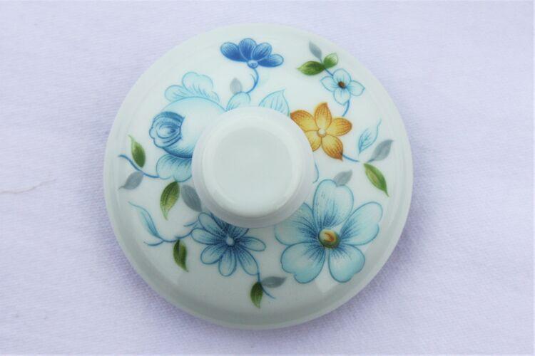 Sucrier en porcelaine de Limoges Tharaud modèle Sylvia