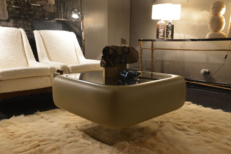 Coffee table by Warren Platner and William C. Andrus edited by Steelcase