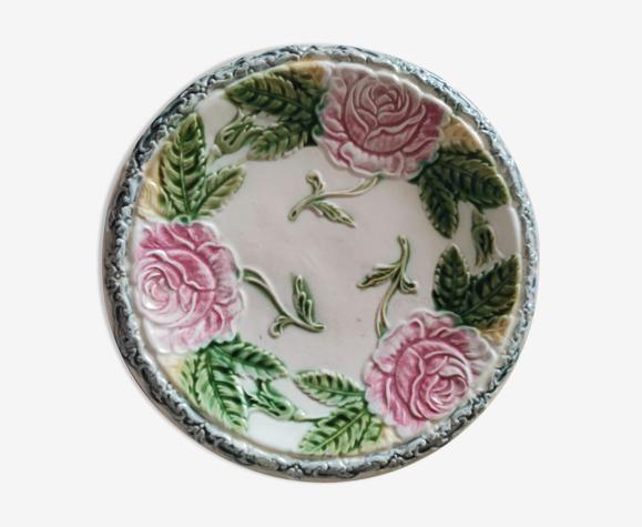 Assiette en barbotine roses