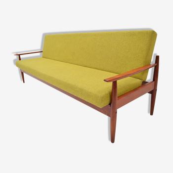 Canapé pliant ou méridienne du milieu du siècle par TON, années 1960.