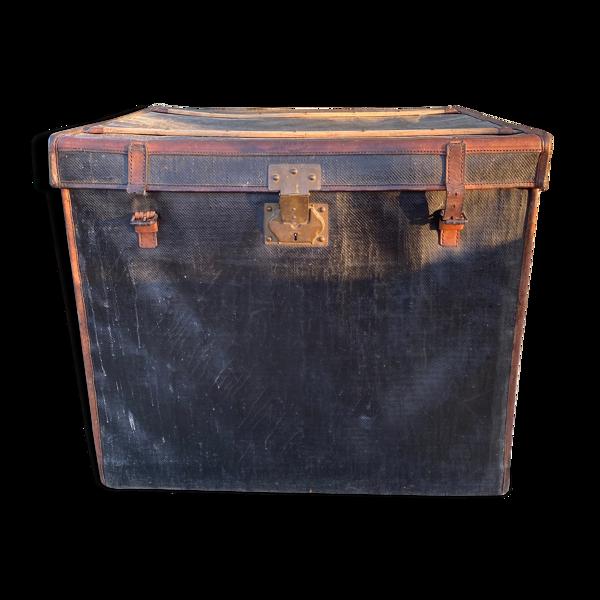Malle de voyage hippomobile cuir Beaumont Paris