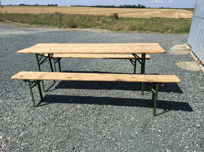 Table de guinguette et ses 2 bancs
