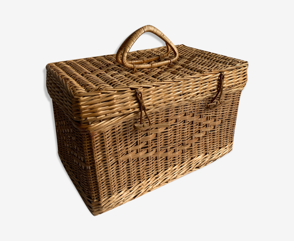 Wicker box/case