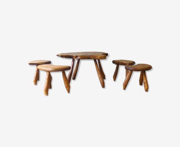Ensemble de table et tabourets