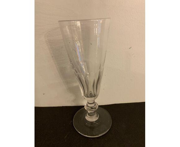 Set de 7 flûtes anciennes en verre soufflé