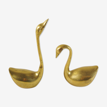 Couple of brass swans