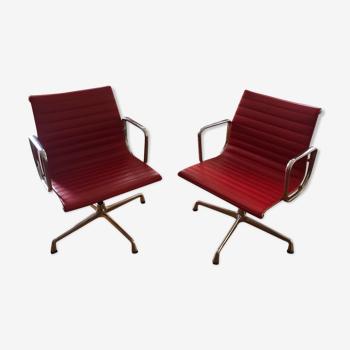 Paire de fauteuils de bureau EA 108 par Charles et Ray Eames pour Vitra